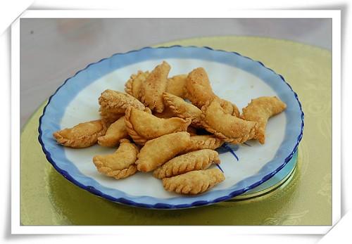 就是这美味的核桃馅饺子,多小子足足吃了五六个!