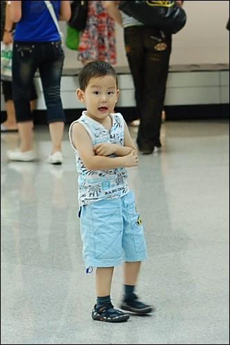 深圳机场的行李大厅里怎么这么冷哇!