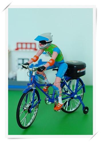 甜蜜妈妈送给我的好玩的自行车,会踩圈、会响铃、还会唱歌!