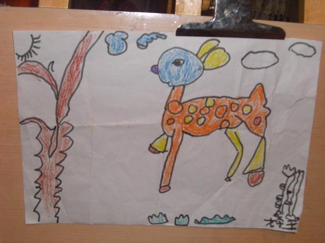 幼儿园画的可爱的梅花鹿-媛儿的画