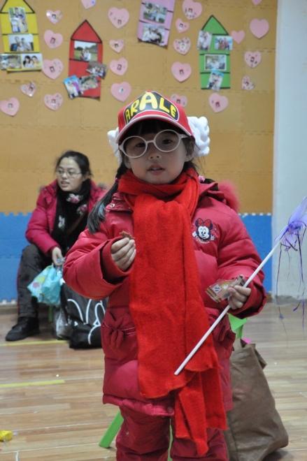 幼儿园手工制作奥特曼服装