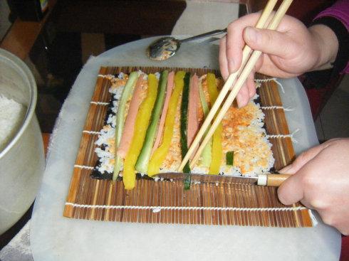 热热闹闹的寿司秀