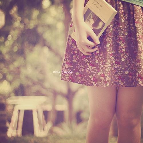 不要因为没有阳光,而走不进春天;不要因为没有雨露,而忘记了自己成长;不要因为没有歌声,而放弃了自己的追求;不要因为没有掌声,而丢掉了自己的理想。