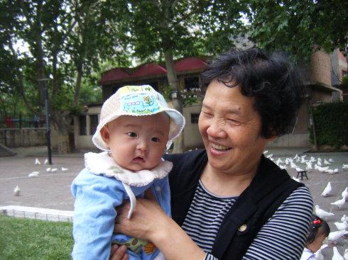 宝宝的旅游——写在宝宝十天前第一次逛公园